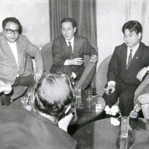 """С японски гости при откриването на японския хотел """"Витоша Ню Отани"""" в София, 1979 г. (по-късно станал """"Кемпински, после """"Маринела"""")."""