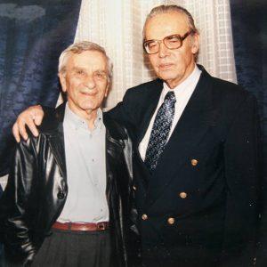 С журналиста Петко Бочаров, с когото са работили години наред в БТА, 2000 г.