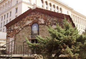 Църквата Св. Петка Самарджийска, за която проучвания на писателя Николай Хайтов сочат, че там е бил погребан Левски.